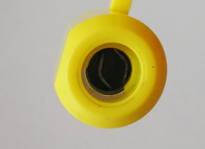 High security bolt seal for container doors B-140
